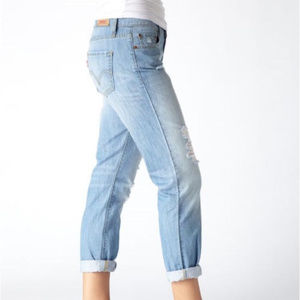 [LEVI'S] Light Wash Distressd Boyfriend Crop Jeans